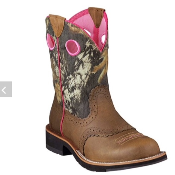 99aeeda1d09 Ariat Pink & Camo Fatbaby Boots